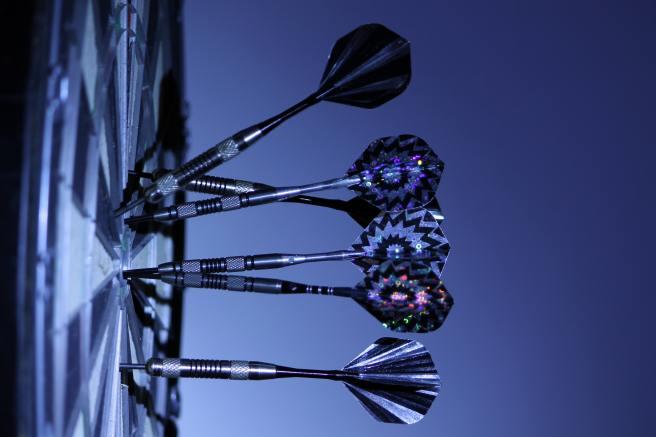 black-and-white-bull-s-eye-dartboard-70459